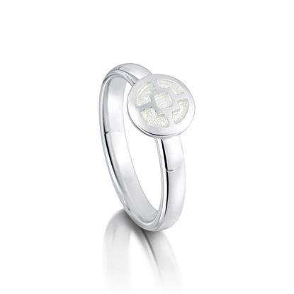 Sheila Fleet -R92 Mine Howe Ring